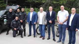 Министрите Красен Кралев и Младен Маринов присъстваха на концерт в подкрепа на децата и семействата на загинали и пострадали служители от структурите на МВР