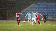 Двама футболисти напуснаха Дунав