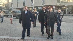 Тежка е ситуацията на гръцко-турската граница, призна Каракачанов