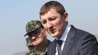 Орхан Исмаилов остава заместник-министър на отбраната