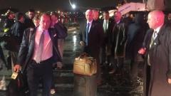 Самолетът на Майк Пенс излезе от пистата