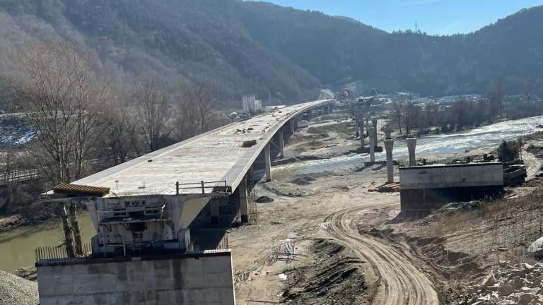 """Прокопават целия тунел """"Железница"""" през март"""