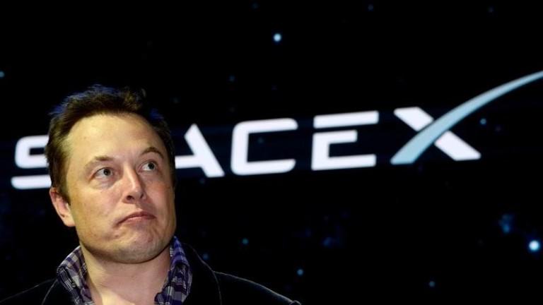Основателят на компаниите Tesla и SpaceX Илън Мъск изглежда е