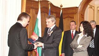 МВР удостои с медал вътрешния министър на Белгия