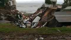 Повече от 50 загинали след обилни валежи в Южна Африка