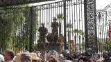 """Политическа криза в Тунис - сили за сигурност нахлуха в офиса на """"Ал Джазира"""""""