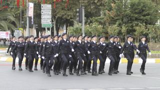 Жените полицаи в Турция вече с право на забрадка