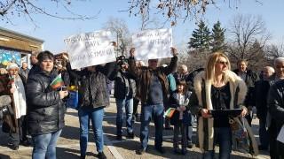 """В Перущица се разбунтуваха срещу почти двойно скачане на такса """"смет"""""""