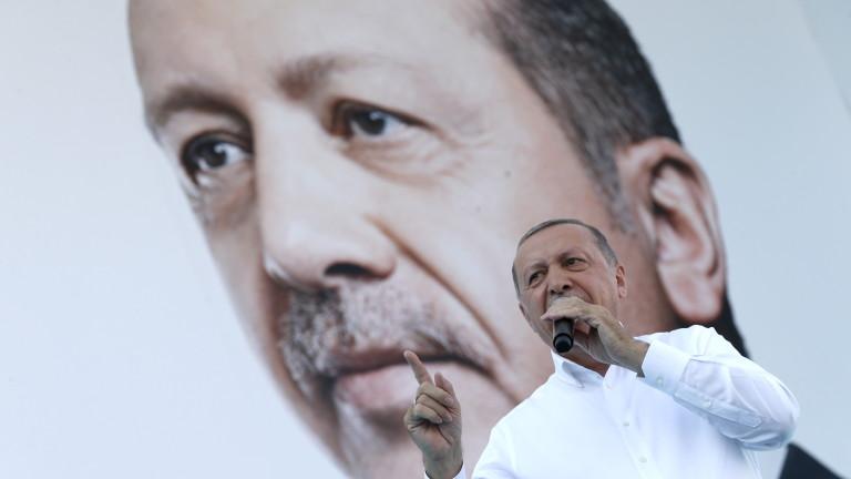 Ердоган заплаши Австрия със свещена война