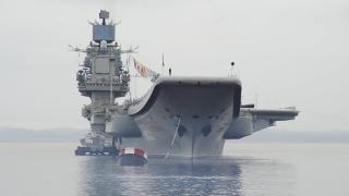 В Русия строят нов самолетоносач