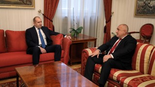 Развръзката на отношенията Радев-Борисов ще е на изборите