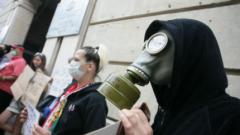Стотици на протест в София срещу шистовия газ