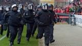 112 полицаи ранени на аматьорски мач в Германия