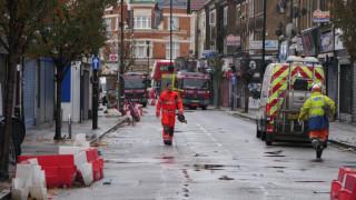 Двама души загинаха при експлозия и срутване на сградата в Западен Лондон