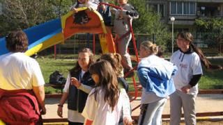 Проверяват детските площадки в Пловдив