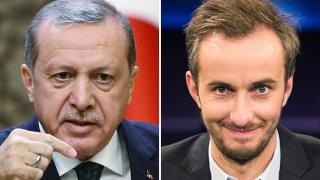 Меркел ме наряза и ме сервира на деспота Ердоган, бесен германският комик