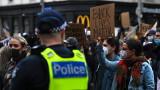 Хиляди излязоха по улиците в цяла Австралия в подкрепа на протестите в САЩ