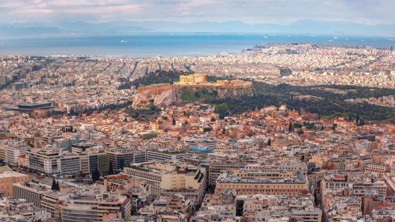 Гърците дължат на държавата си сума 2 пъти по-голяма от икономиката на България