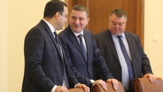 1.5 млрд.лв. трябват, за да скочи двойно минималната пенсия, сметна Горанов