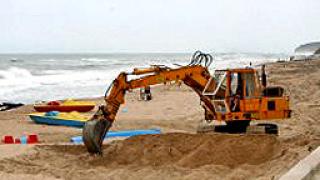 Хващат крадци на пясък край Созопол