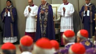Папа Бенедикт ХVI отслужи последната си меса