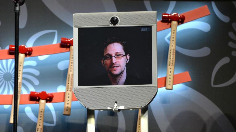 Влиятелни правозащитници готвят международна петиция Обама да помилва Сноудън