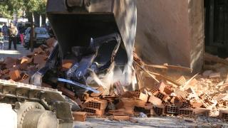 Необитаема сграда се срути в центъра на Враца