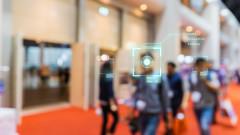 Шефовете на Microsoft и Alphabet се сдърпаха за забраната на технологии за разпознаване на лица
