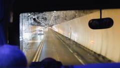 Десетки пътници бяха евакуирани от тунела Монблан