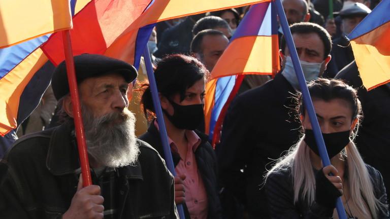 Конфликтът между Армения и Азербайджан през 2020 г. за спорната