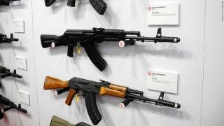 """Санкциите спряха вноса, но не и производството на автомати """"Калашников"""" в САЩ"""
