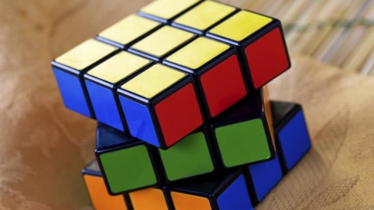 Ентусиасти от 70 държави се включиха в състезание за подреждане на кубчето на Рубик