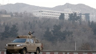 Няколко американци са убити и ранени при нападението в хотела в Кабул