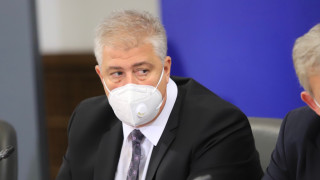 """Много млади хора се лекуват на апаратна вентилация в """"Пирогов"""""""