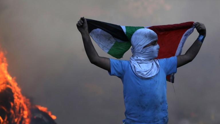 Най-малко 20 палестинци бяха ранени в понеделник при сблъсъци с