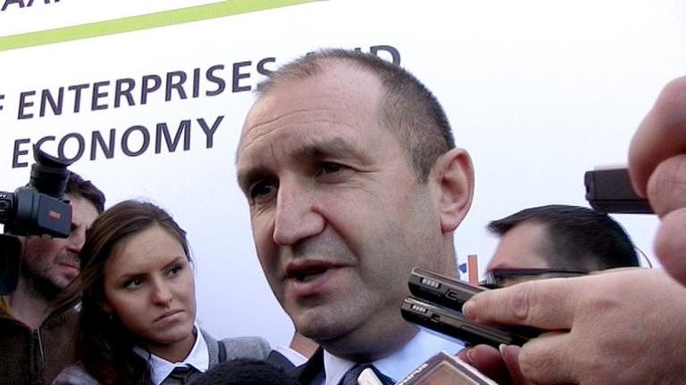 Държавният глава Румен Радев определи като парадоксална смяната на длъжността