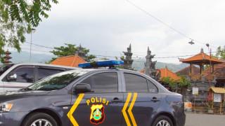 Полицията в Бали арестува двама българи за скимиране на банкомат