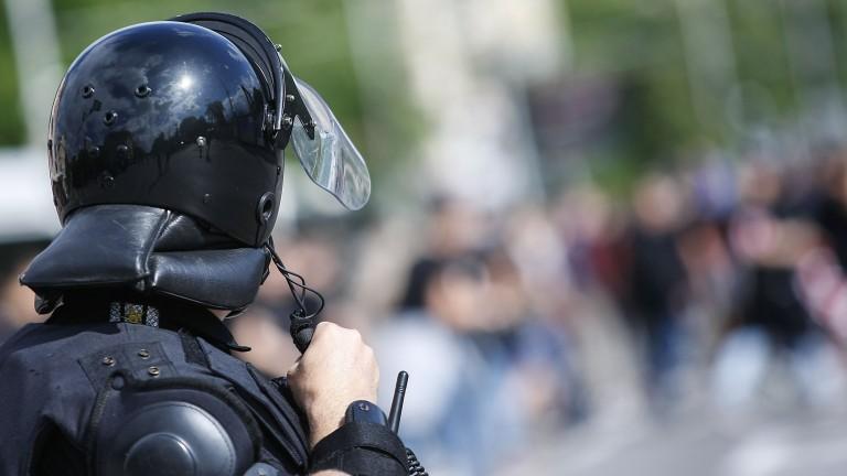 """Къде беше полицията на """"Армията"""" снощи?"""