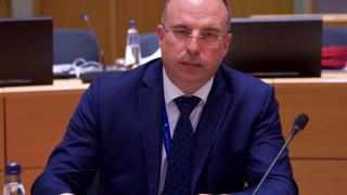 Порожанов обеща до месец стандарти за храните и закон за розите
