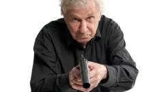 Пенсионер насочи пистолет към ВиК служител