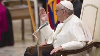 Папата се обяви срещу разпространяването на фалшиви новини и скандали