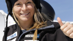 Жекова финишира шеста в сноубордкроса