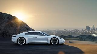Porsche обещава 400 км. пробег със заряд от едва 15 минути