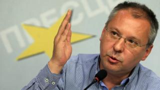 Станишев заподозря някои от БСП в комбина с ГЕРБ