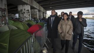 Правителството на Франция нареди разтуряне на мигрантски лагер в Париж