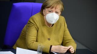 Меркел очаква да имат повече от достатъчно ваксини срещу COVID-19 през април