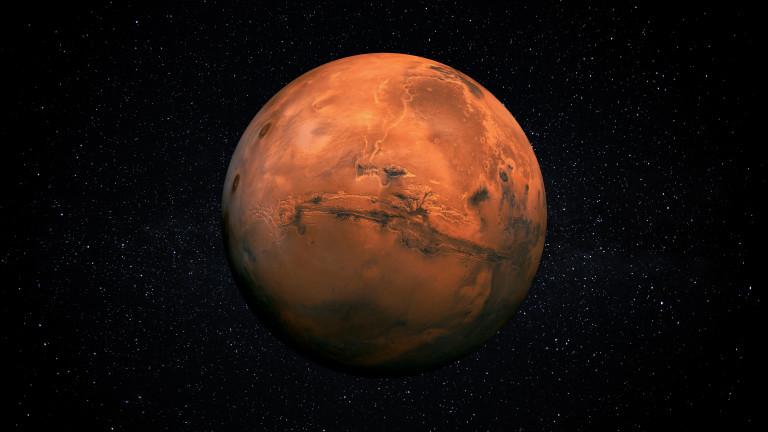 Китайският апарат Zhurong успешно кацна на Марс, съобщи CNN с