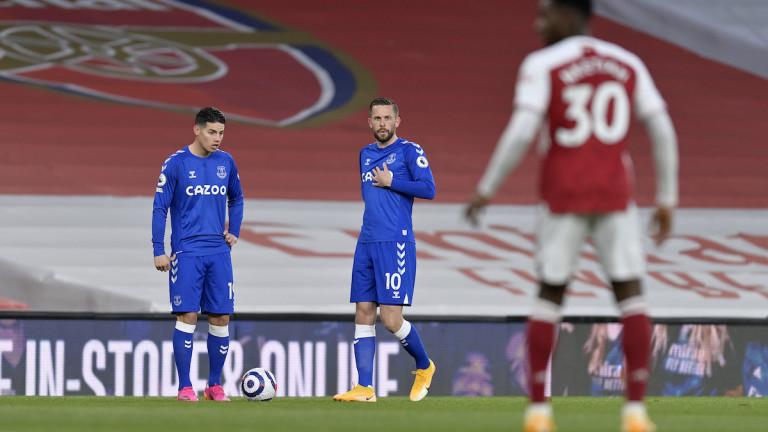 Арсенал загуби от Евертън в битката между двата тима от