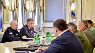 Порошенко готов да въведе военно положение в Украйна