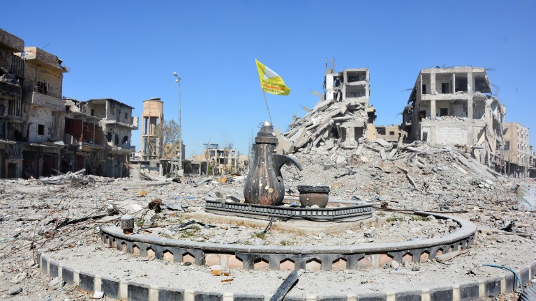 Водената от САЩ коалиция допуснала евакуация на джихадисти от Ракка